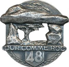 Insigne_régimentaire_du_48e_Régiment_d'Infanterie,_DUR_COMME_ROC
