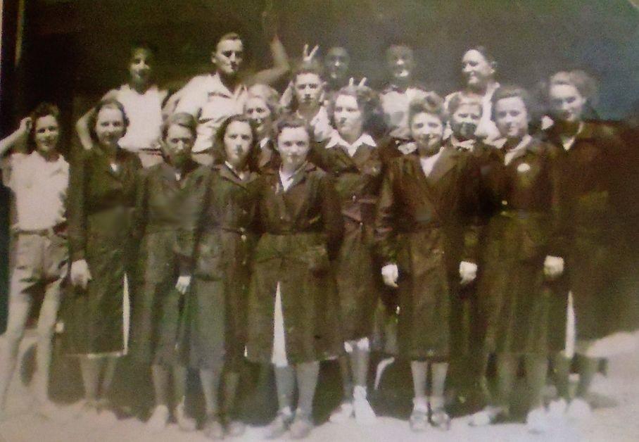 Le personnel du Gagne Petit en 1950